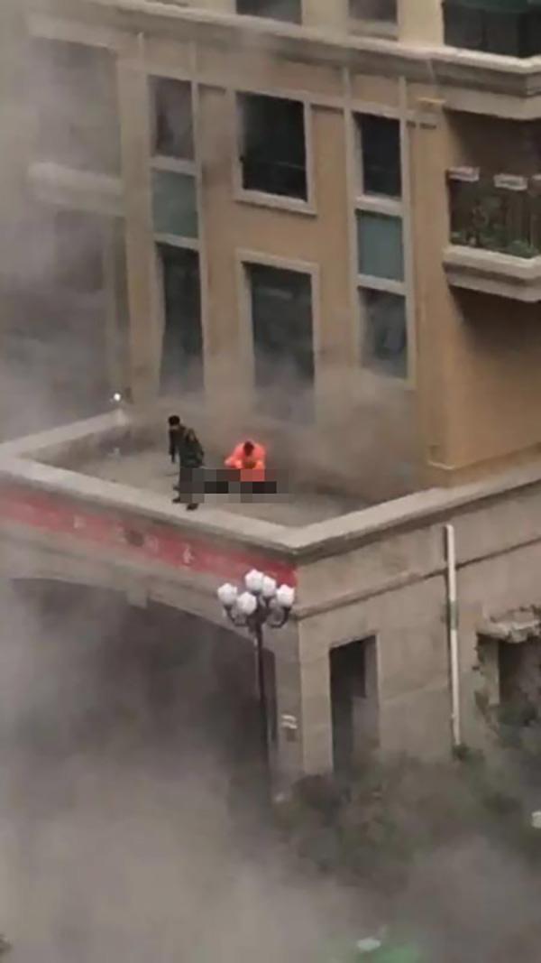 疑似牺牲消防员坠落点