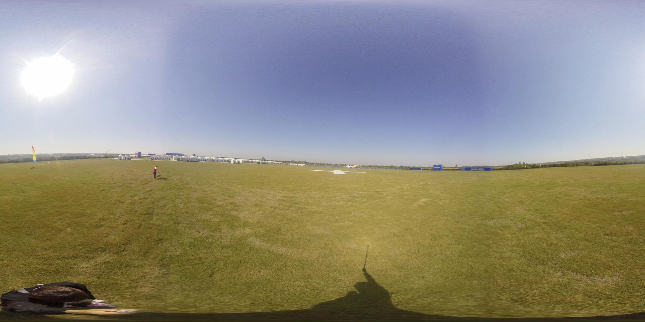 360度全景探秘军运会跳伞项目现场 切身体验赛场气氛