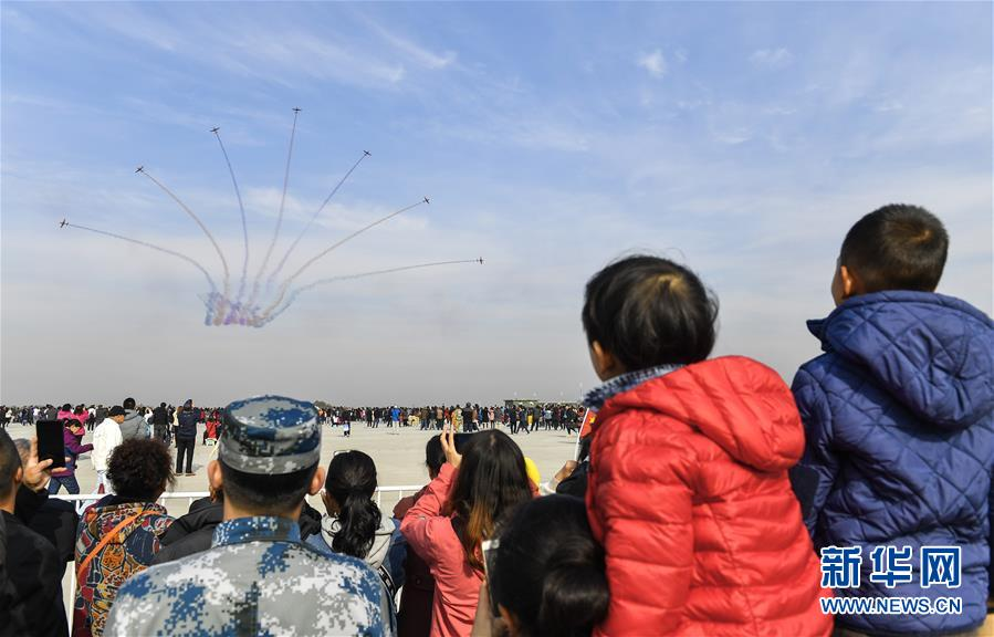 数万名观众在吉林长春近距离感受空天文化