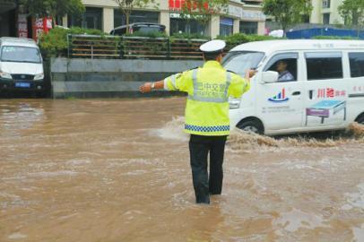 四川巴中:加快城市交通治理 建设法治巴中新气象