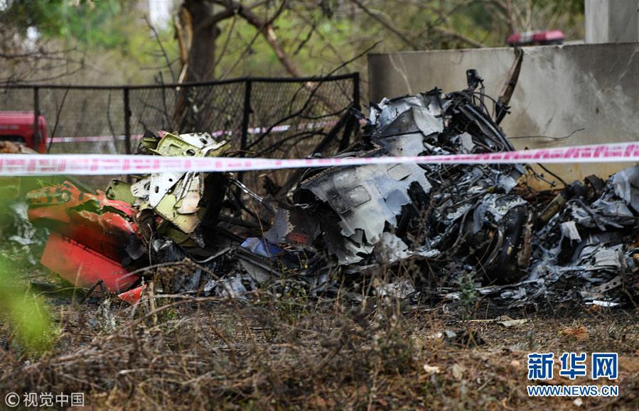 印度空军两架飞机彩排时相撞坠毁 一名飞行员