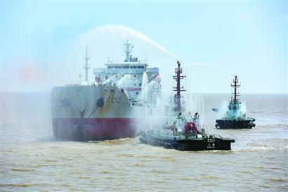 20艘船艇2架飞机出动 演练红袋子环保袋危险品黄岛爱家家政船应急处置