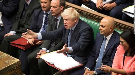 约翰逊正在议会下院/图自法新社