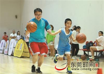妈咪HOME邀你继续玩转宏远篮球亲子嘉年华