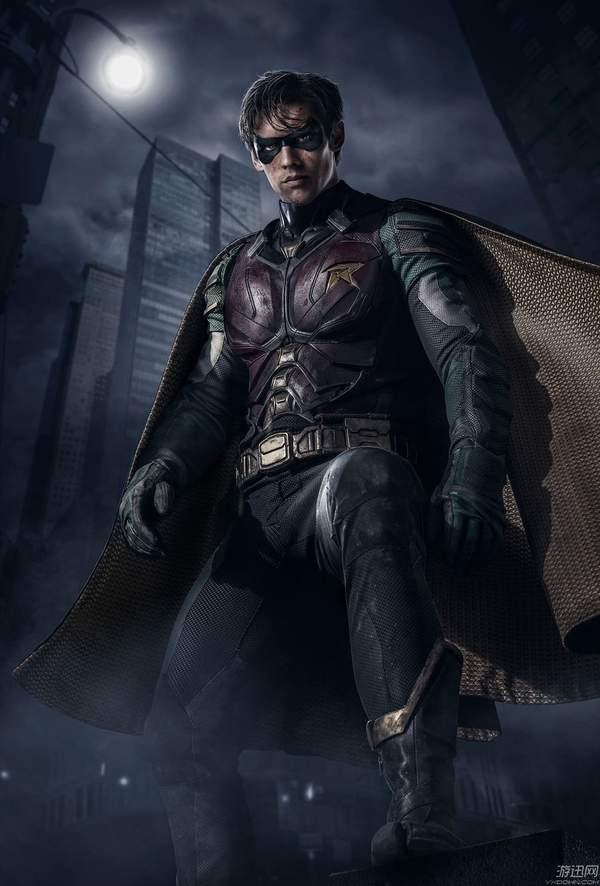 DC重口电视剧《泰坦》预告公布 罗宾爆粗口大骂蝙蝠侠