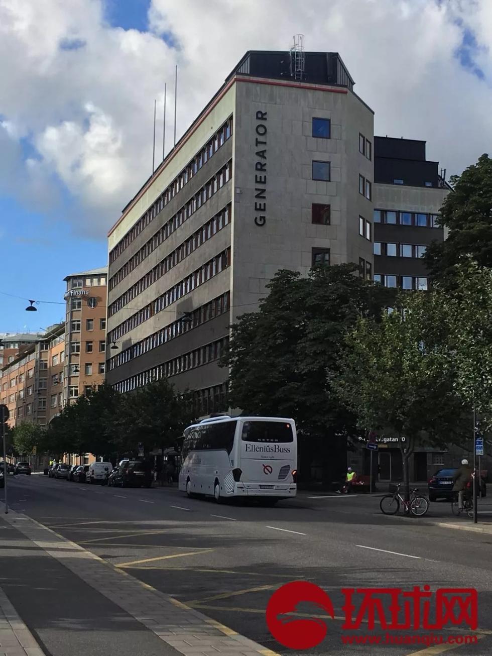 瑞典警察殴打拖拽中国老夫妇事发酒店 记者实证很大
