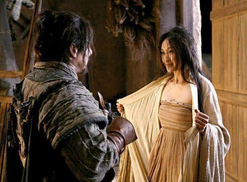 张馨予伴娘才是宝藏!出道就是谋女郎,被成龙热捧成女一号