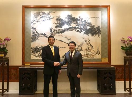 罗照辉副部长会见韩国外交部半岛和平交涉本部长