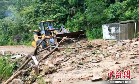 """台风""""温比亚""""过境 安徽霍山万余人受灾损失过亿"""