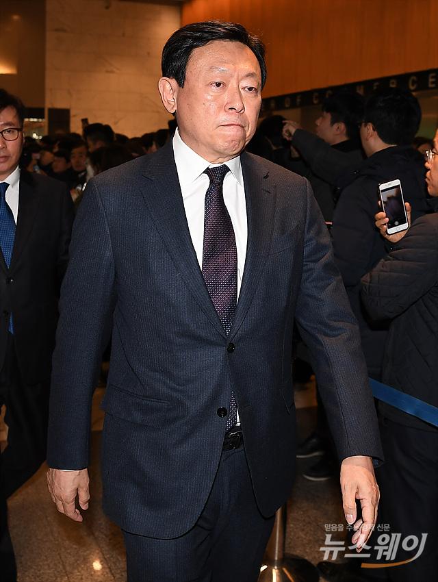 坤音娱乐官网vip官网_中报行情拉开序幕 基金青睐绩优股