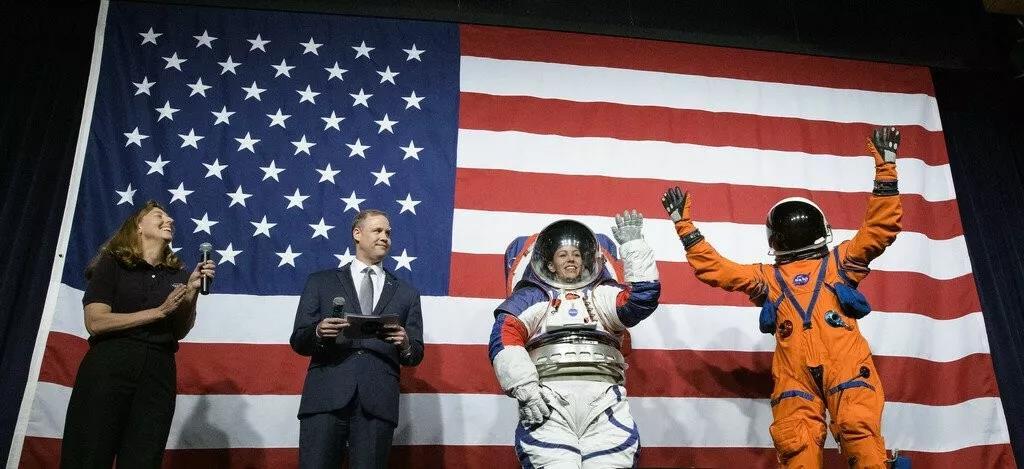 NASA曲播视频截图