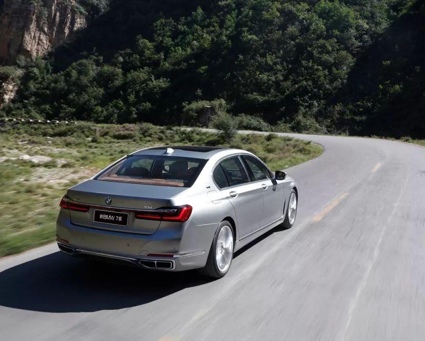 试驾   云端之上的BMW 7系