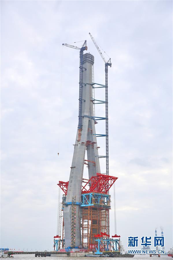 small hydraulic lifts