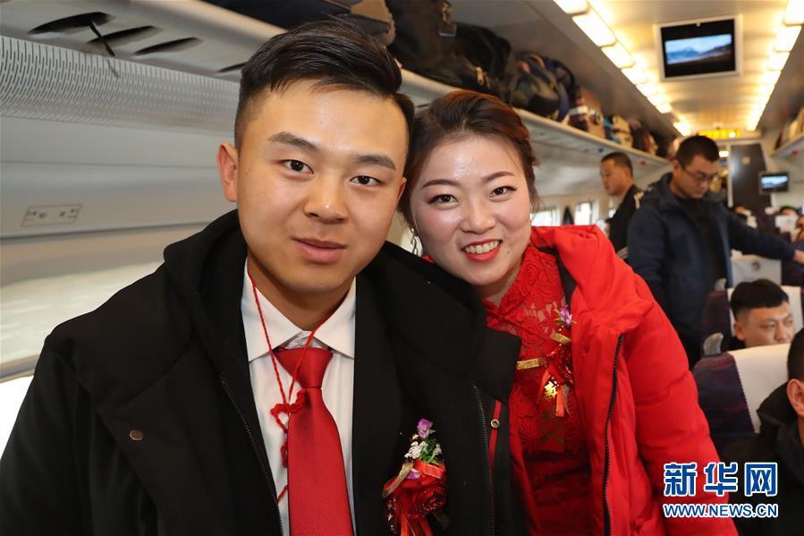 肖战接受采访正面回应争议:我很不安,真诚道歉