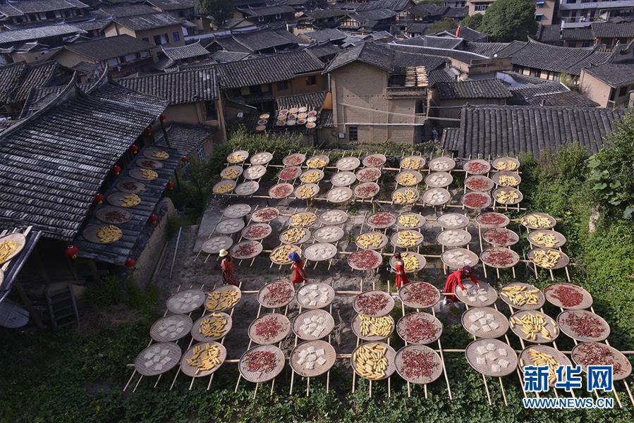 长江经济带高质量发展的动人色彩