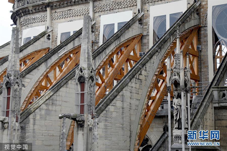 本地工夫10月15日,法国巴黎,巴黎圣母院的重修战建停工做仍正在停止中。(图片滥觞:视觉中国)