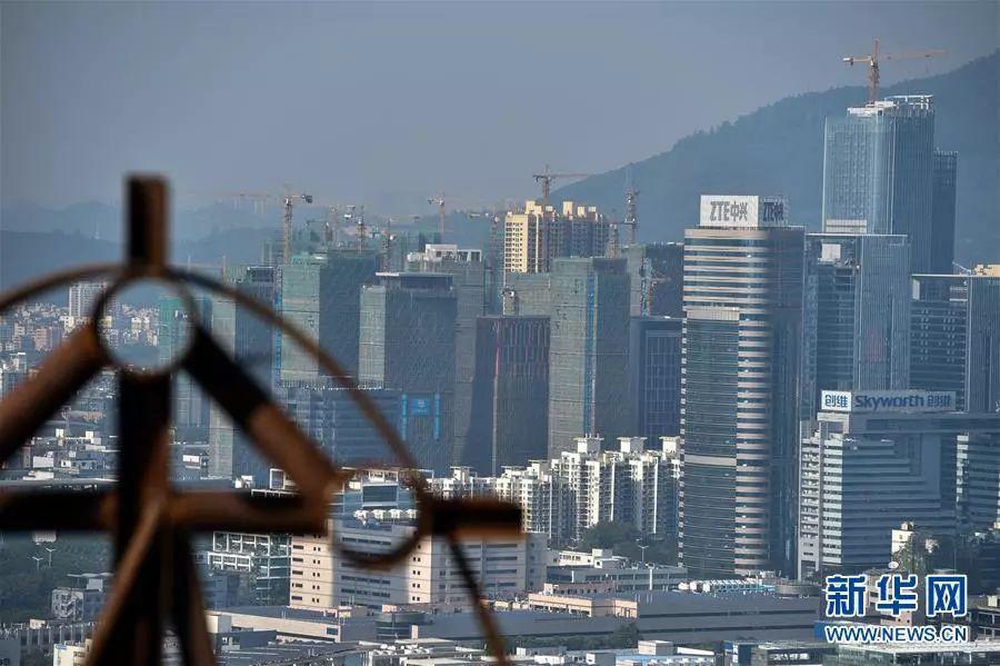 ▲改革开放后,深圳经济一直处在高速发展中。