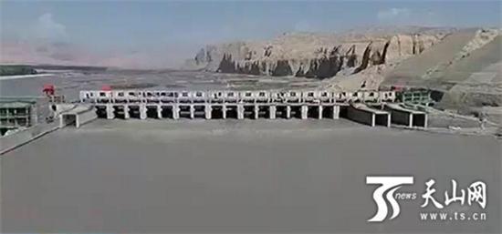 新疆叶尔羌河恰木萨水电站首台机组成功并网发电