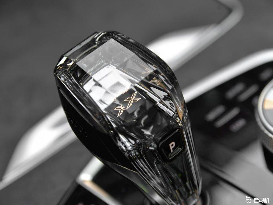 「到店实拍」 标配激光大灯,百公里加速5.5秒,全新宝马X5