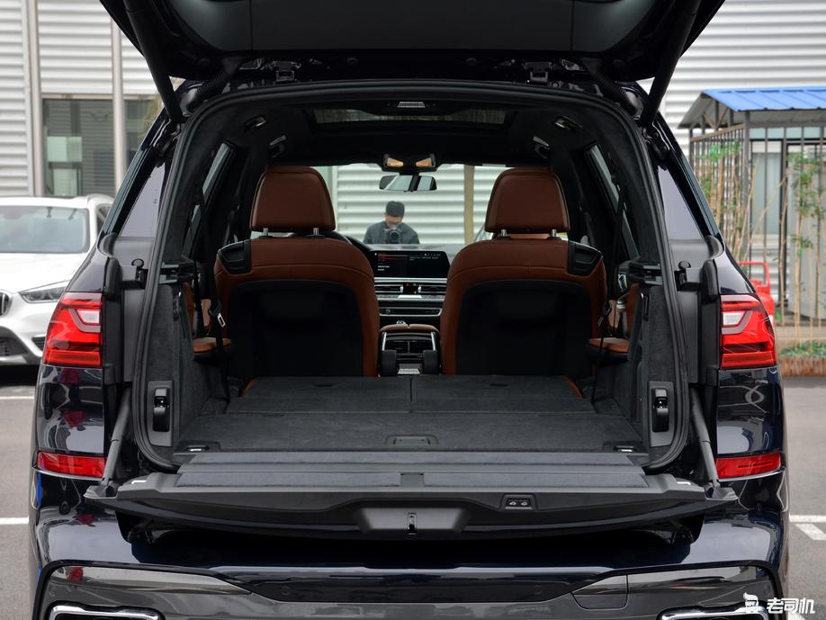 「到店实拍」挑战奔驰GLS,新晋百万大型SUV 宝马X7