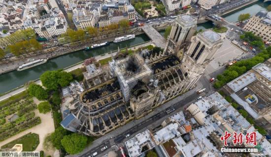 当地时间4月15日傍晚,巴黎圣母院发生严重火灾,93米的尖顶在大火中塔塌。当地时间16日上午,火灾被扑灭,大教堂的主体结构和钟楼暂时得以保存。
