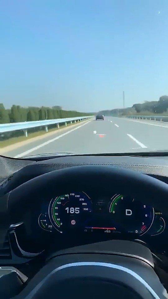 在高速公路紧急停车带合理放置三脚架是多么的重要!