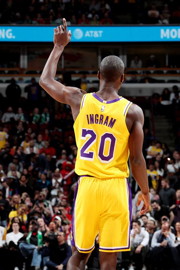 """十年追梦熬白头!NBA""""励志哥""""回来了他还在兼职教数学"""