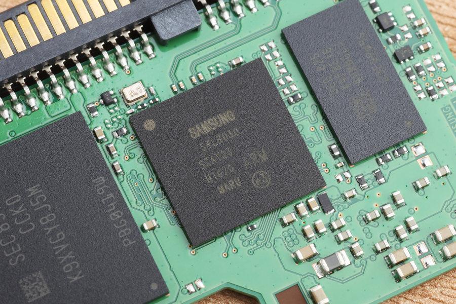 三星860 Evo M.2硬盘评测:平易近人的豪门千金
