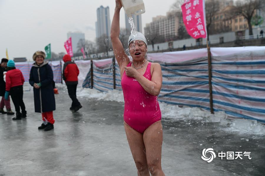 北京通报4例新冠肺炎确诊病例情况 3人在新发地市场工作