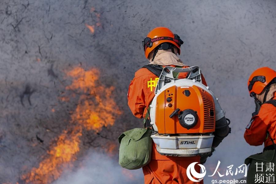 看森林消防员如何练就看家本领图片