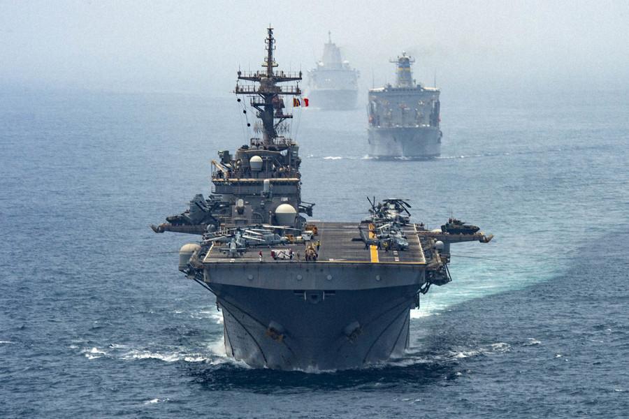 好国水师舰船经由过程霍我木兹海峡(逐日消息)