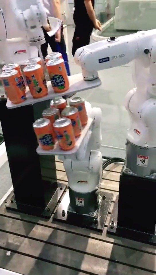 机器人都知道协力合作的道理,而我们呢???