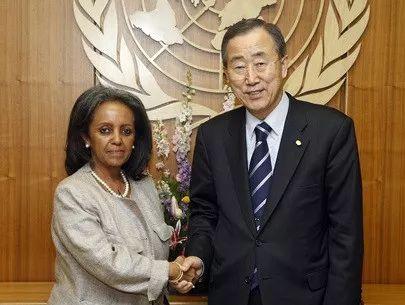 祖德和联合国前秘书长潘基文(右)。