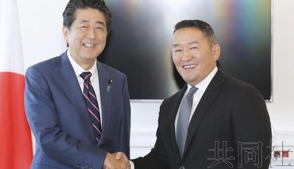 安倍与蒙古总统会谈 确认为解决朝鲜绑架问题合作