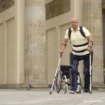 这种步行助力装置为脊髓损伤患者带来了新的希望