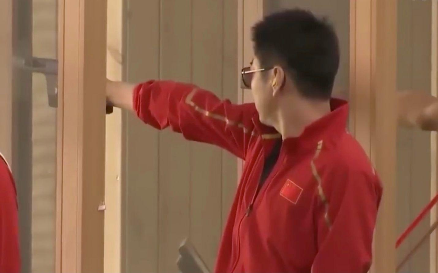 军运会首金诞生!中国队25米手枪军事速射团体赛折桂