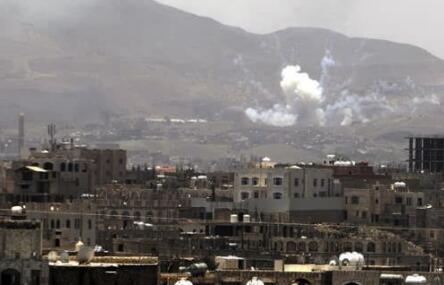 沙特联军空袭也门击中一辆校车 致50死77伤遂平一高