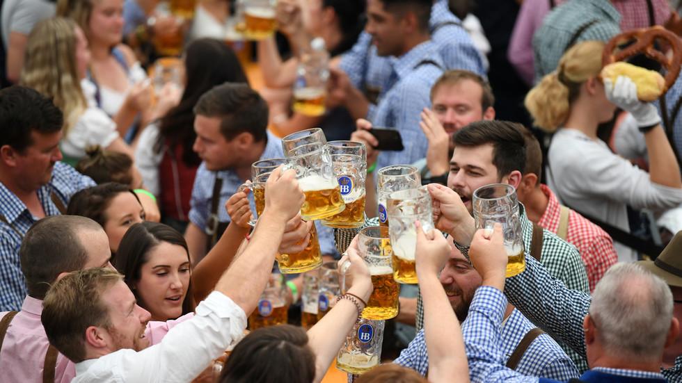 一年一度的慕僧乌啤酒节正正在炽热停止中(路透社)