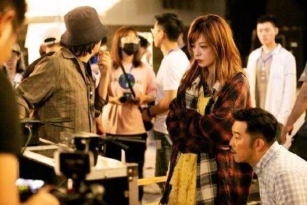 赵薇拍摄现场全程黑脸,直言:烂片就是这么拍出来的,气氛超尴尬