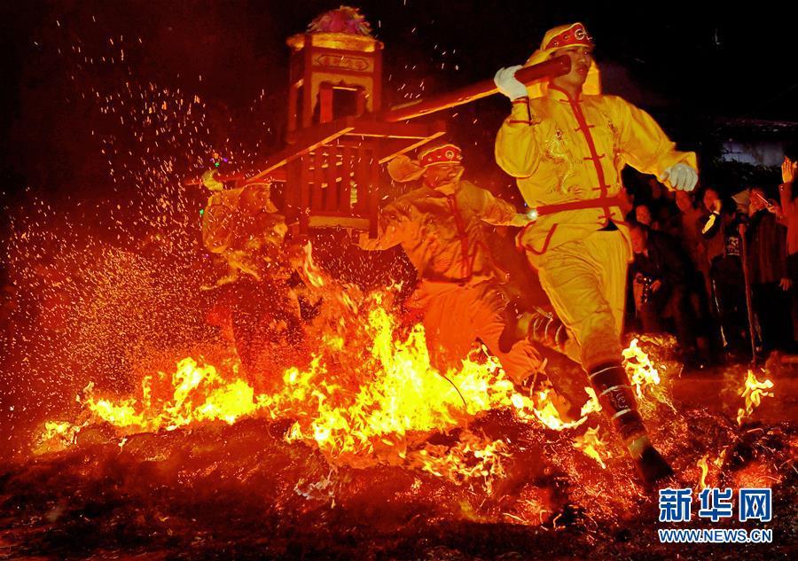 中国比基尼美女