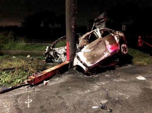 彰化县芳苑乡福海宫外的车祸现场。(图片来源:台湾《联合报》记者 凌筠婷 翻摄)