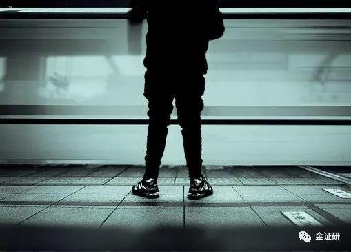 澳门百家樂网站怎样下载 - 刘欢办豹纹派对豪宅+27岁女儿抢镜,幸好当年放弃和戴志诚说相声
