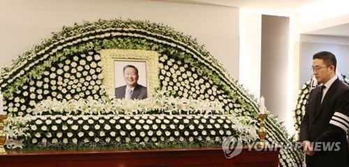资料图片:LG集团会长具本茂于20日去世,享年73岁。(图片来源:韩联社)