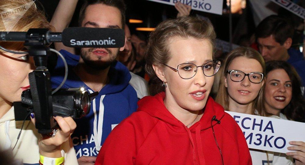 俄美女总统候选人谈大选辩论:像在地狱里 很糟糕