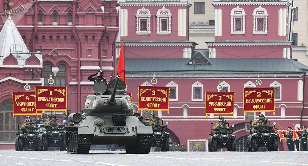 俄军1.3万人参加红场阅兵 所有装备中T34最先亮相油茶采摘机