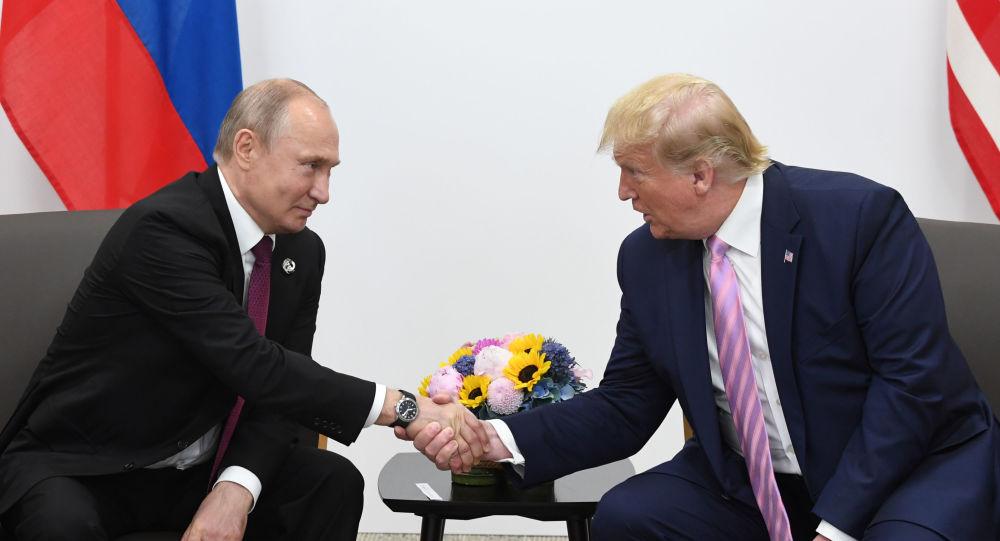 俄总统普京取好总统特朗普。(图:卫星通信社)