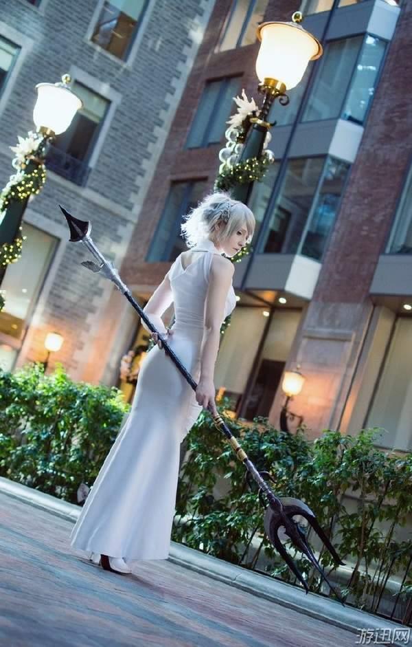 【COS】《最终幻想15》女主露娜弗蕾亚 身材火辣气质优雅