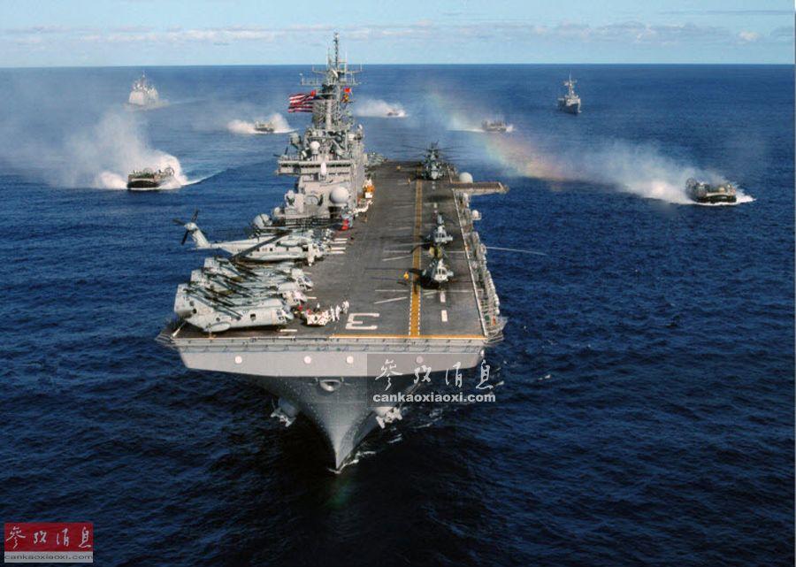 """""""偶我沙治""""号两栖进犯舰取LCAC气垫登岸艇群开影材料图。"""