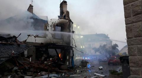 法国西部市中心瓦斯爆炸引发火灾 已致10人受伤