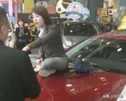 """""""奔驰维权女车主""""公司被查封,出来混迟早要还?"""